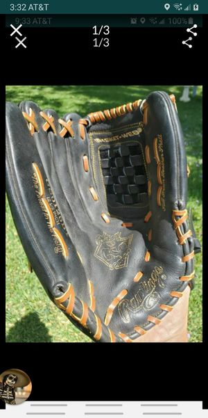 "Baseball glove 12-1/2"", leather right hand for Sale in Colton, CA"