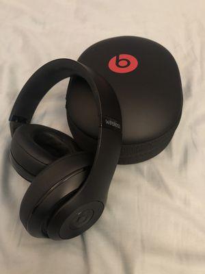 Beats by Dre Studio 2 Wireless Headphones Black Bluetooth for Sale in Lutz, FL