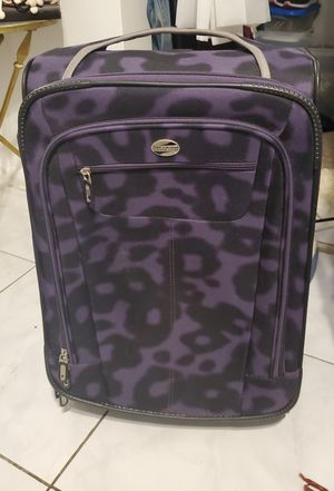 Carry on suitcase for Sale in Fort Lauderdale, FL