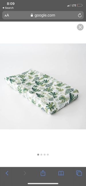 little unicorn changing pad cover - tropical leaf for Sale in Fountain Valley, CA