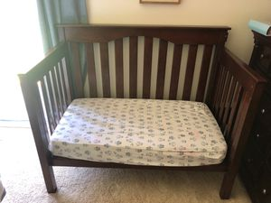 """Pottery Barn Adjustable Baby Crib 58"""" Long , 33"""" wide (Front side not in pick but I do have ) for Sale in San Diego, CA"""