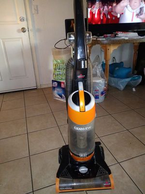Bissell, Clean view Vacuum cleaner for Sale in Fresno, CA