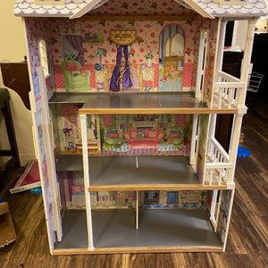 Doll House for Sale in Reedley, CA