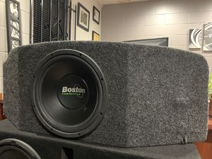 """12"""" subwoofer with hatchback custom box for Sale in Chula Vista, CA"""
