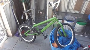 Mongoose bmx bike with rear pegs for Sale in Miami, FL