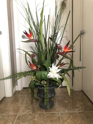 Large artificial plant -abt 60 inches tall for Sale in Irving, TX