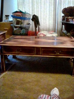 Coffee table & 2 end tables for Sale in Claremore, OK