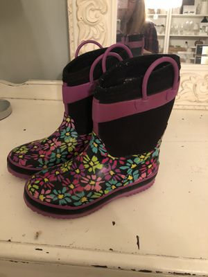 Girls size 13/1 Western Chief water proof rain boots for Sale in Snohomish, WA