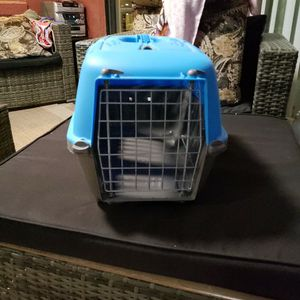 """Spree 19"""" small pet carrier Dog Cat for Sale in Orlando, FL"""