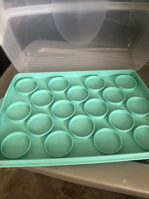 Tupperware cake/cupcake holder new. for Sale in Woodville, CA