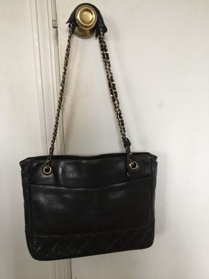 Authentic leather Chanel black bag for Sale in Oceanside, NY