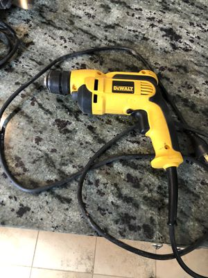 Dealt drill 3/8 inch keyless drill for Sale in Denver, CO