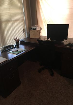 Two piece 6 drawer computer desk for Sale in Pascagoula, MS