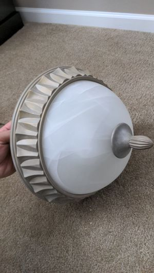 Hallway light fixture includes 5000k led bulbs for Sale in Naperville, IL