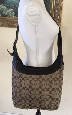 Coach Signature Canvas Hobo Bag for Sale in Houston, TX