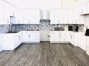 Kitchen Cabinets for Sale in Bay Lake, FL