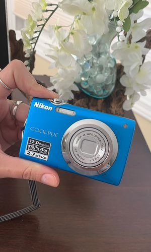 Nikon S300 camera for Sale in Anchorage, AK