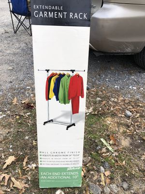 NEW 25$ EXTENDABLE GARMENT RACK for Sale in Jessup, MD