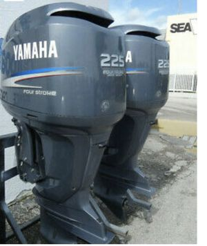 2005 BEAUTIFUL 225 HP PAIR YAMAHA FOUR STROKE OUTBOARD MOTOR S F225 CLEAN, LOW COST PAIR OF F225s THAT ARE READY TO GO ! for Sale in Miami Gardens, FL