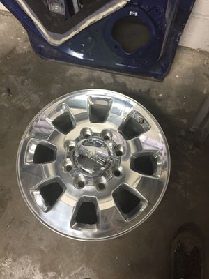 "2004 to 2018 GMC Sierra 18"" 8 lugs heavy duty fresh clean rims for Sale in Hyattsville, MD"