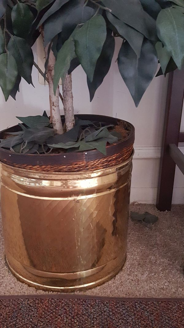 Artificial tree with brass base pot