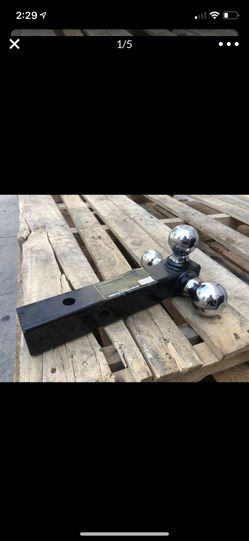 """Trail tow hitch Triple hitch ball 1-7/8"""" 2"""" & 2-5/16"""" balls 2"""" solid shank for Sale in La Habra Heights,  CA"""