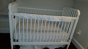 BABY CRIB AND CHANGINGTABLE for Sale in Arlington, VA
