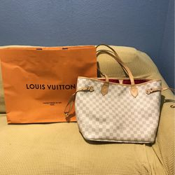 101 Champs Elysees Paris Louis Vuitton for Sale in North Las Vegas,  NV
