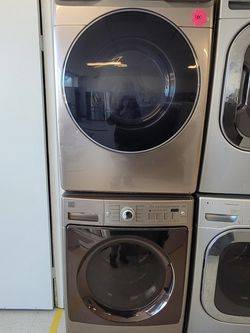 Kenmore Front Load Washer Used And Samsung Electric Dryer New Scratch And Dents With 4month's Warranty for Sale in Mount Rainier,  MD