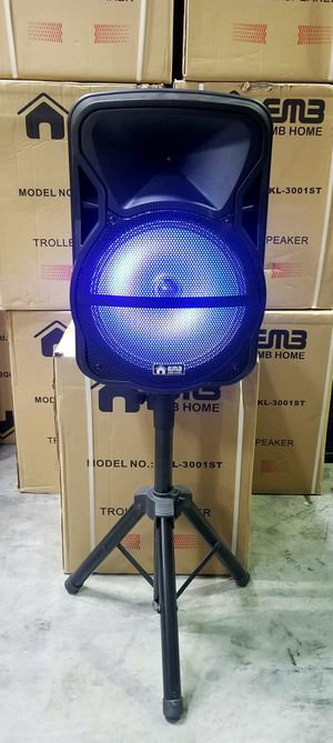 """1500 watts 12"""" speaker. Bluetooth. Rechargeable. Wireless microphone. FM radio. Lights. for Sale in Miami Springs, FL"""