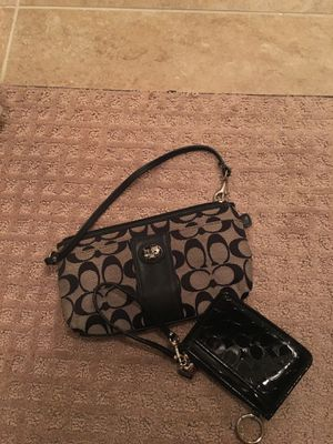Coach wristlet purse wallet for Sale in Houston, TX