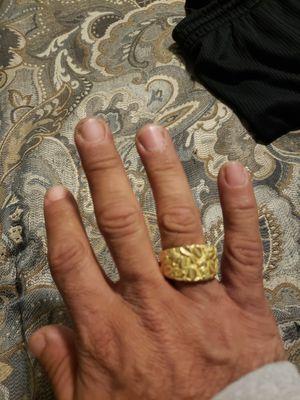 18 karat gold ring for Sale in Fontana, CA