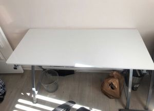 White office desk with side cabinet for Sale in Los Angeles, CA