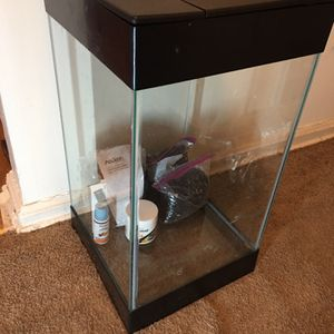 Aqueon 15 Gallon Fish Tank for Sale in Arlington, VA