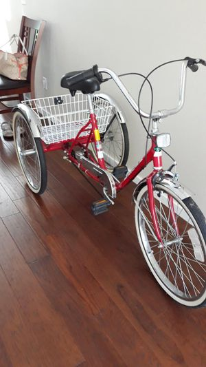 Gorgeous Worksman Adult Tricycle Cruiser, 3 speed, with rear basket for Sale in Fairview, OR