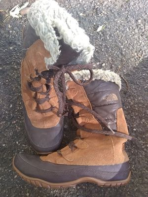 North Face Snow Boots Women's 7 for Sale in Denver, CO