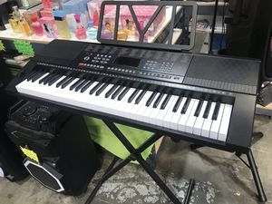 61 Unweighted Keys Electronic Keyboard W/ Stand for Sale in Ontario, CA