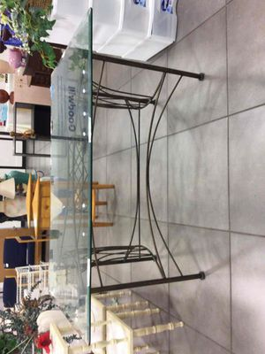 Metal table with glass on top for Sale in Oakland Park, FL