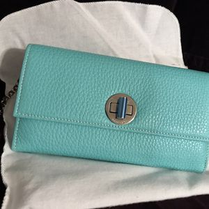 *NEW* Tiffany City Clutch With Removable Silver Chain Strap for Sale in Riverview, FL
