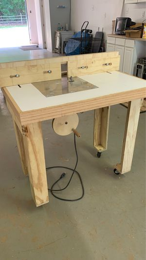 3 hp Milwaukee Router and Table for Sale in Whitehouse, TX