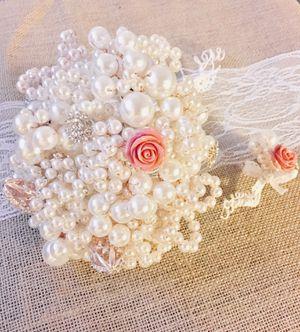 Pearls and brooch wedding bouquet unique! for Sale in Arlington, VA