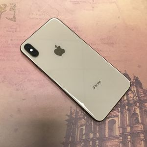 Apple iPhone Xs Max Unlocked For All Carriers for Sale in Tacoma, WA