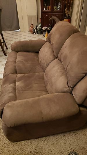A love seat recliner for Sale in Fresno, CA