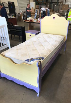 Girls Twin Bed Set for Sale in Fresno, CA