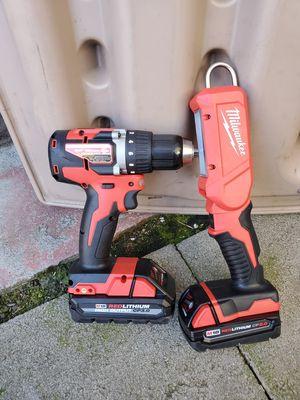 Milwaukee drill y lampara nuevos for Sale in Oakland, CA