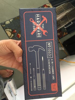 6 in 1 hammer and screwdriver for Sale in Lake Worth, FL