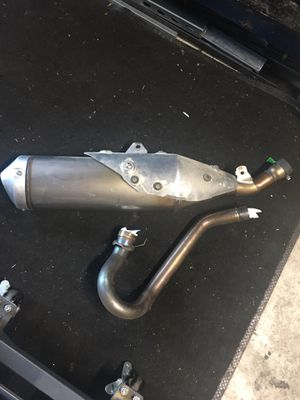 2019 Crf450 full exhaust Stock (used for about 10 hours) for Sale in Whittier, CA