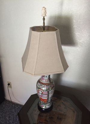 Oriental lamp for Sale in Moreno Valley, CA