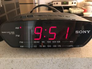 Clock/alarm/radio for Sale in Los Angeles, CA