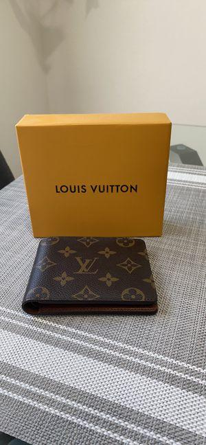Louis Wallet - Like new for Sale in Las Vegas, NV